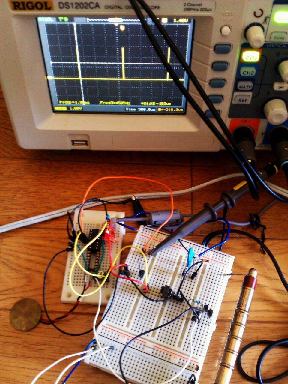 自作回路でガイガーカウンタ